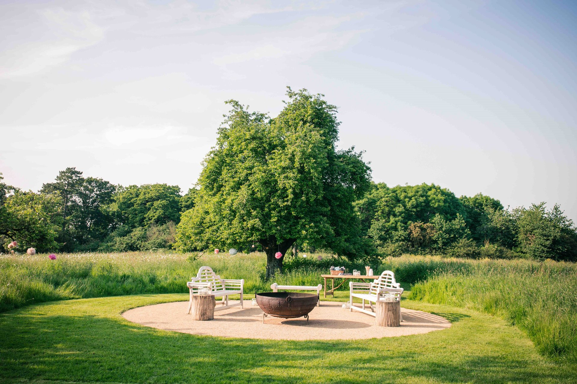 Sunny outdoor wedding at elmore court